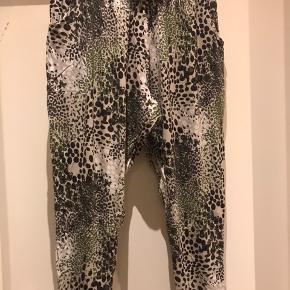 Jersey bukser og bluse - sæt pris  Str M ( 46-48 )