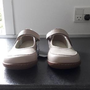 New Feet Balerina Længde 26 cm, og 9,5 cm på den bredeste del af forfoden