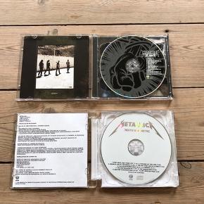 Pris er pr stk Sælges samlet for 50kr  Metallica  St. Anger  Death Magnetic   I rigtig god stand, uden ridser. Kun afspillet få gange.   Sender gerne, køber betaler porto. Kan også afhentes på Frederiksberg.