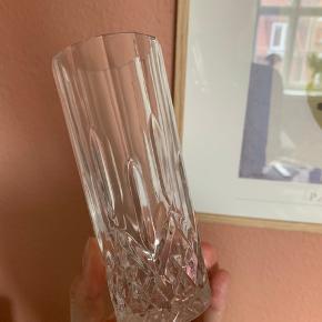 8 høje drinksglas i krystal lignende look.