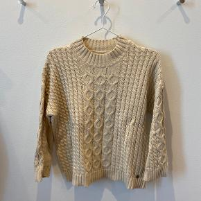 Pulz sweater