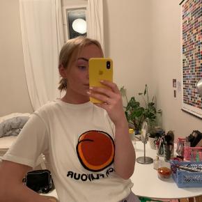 Fin peach t-shirt fra Hosbjerg i størrelse s.