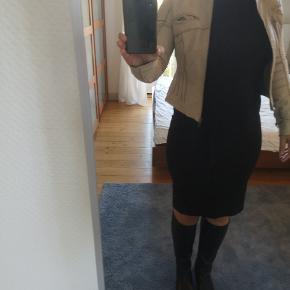 DAY Birger et Mikkelsen pels- & skindjakke
