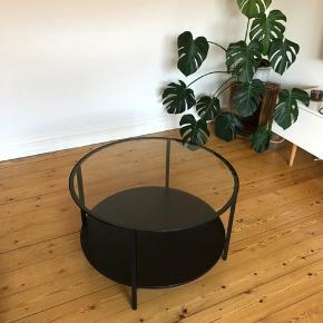 75 cm i diameter 45 cm højt. Skal hentes i Odense