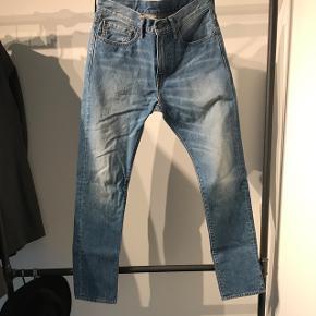 Super fede denim levi's jeans Str. 31/30  Skriv endeligt for mere information