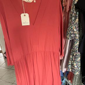 Basic Apparel kjole eller nederdel