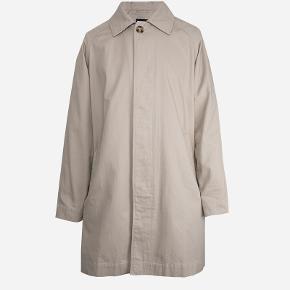 Sælger denne stilede og lækre forårs/sommer frakke fra det populære svenske modemærke adaysmarch. Den kostede 1300,-  Byd!