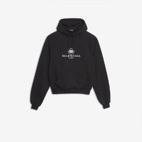 Balenciaga hoodie  Prøvet på et par gange, aldrig vasket  Tager gerne imod bud
