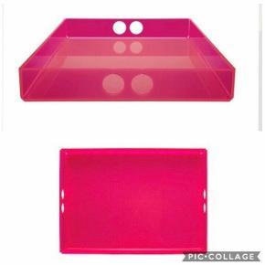 Har også pink strandtaske
