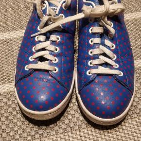 Adidas Stan Smith Pharrell Williams Limited edition sælges! Kom med et bud. Brugt meget lidt og i rigtig god stand.