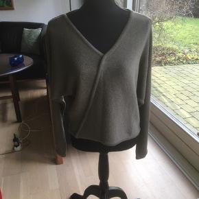 Ivan Grundahl sweater