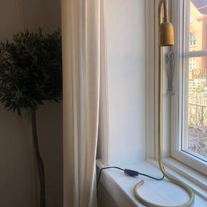Smuk bordlampe fra H. skjalm P