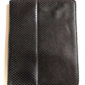 iPad cover i kroko skind - aldrig brugt!