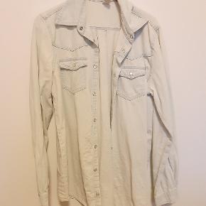 """Lækker denimskjorte/""""malerskjorte"""" :-)"""