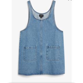 Monki denim kjole   størrelse: XS   Pris 100kr   fragt: 37 kr   overvejer at sælge min fine kjole, prisen er dermed fast