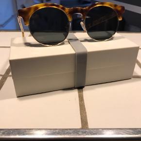 Fede solbriller fra Han!  Brugt en enkelt gang.