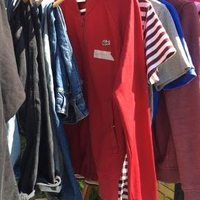 Masse drengetøj str. Medium sælges. Mærker som Lacoste, Calvin Klein, Ralph Lauren, Woodwood mm. Handler ved fremmøde eller via mobilepay. Sender gerne ved køb over 300 kr.