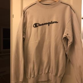 Hej, sælger denne VITAGE champions sweatshirt, da jeg ikke får den brugt nok... Den er i rigtig fornuftig stand når man tænker på at den er VITAGE! BYD gerne!