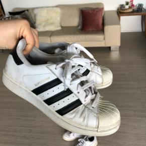 Adidas superstar. Godt brugt