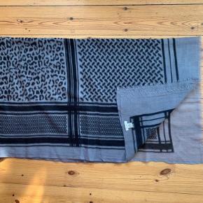 Neo Noir tørklæde