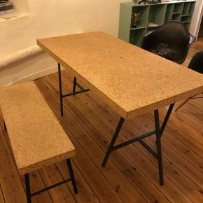 Kork bord og bænk fra Ikea  - bord og ben kan ikke skilles ad