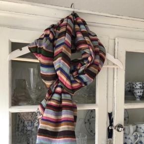 Stort, langt og flot tørklæde - brugt en gang