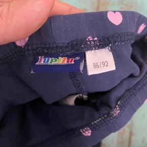 Lupilu bukser 86/92  -fast pris -køb 4 annoncer og den billigste er gratis - kan afhentes på Mimersgade 111 - sender gerne hvis du betaler Porto - mødes ikke andre steder - bytter ikke
