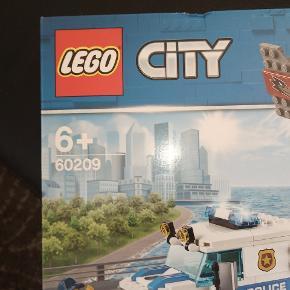 HELT NY LEGO CITY ÆSKE MODEL 60209 ALDRIG BLEVET ÅBNET LUFT POLITI SÆLGES FOR 300 KR