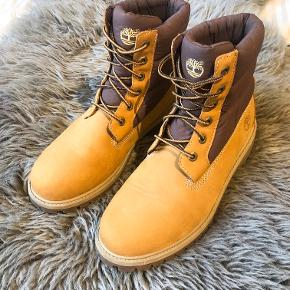 Timberland Beige Women's Boots
