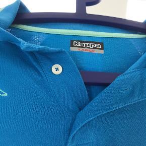 Varetype: Polo Farve: Tyrkis,    Grøn,    Blå  Pæn polo shirt sælges. Brugt få gange. Jeg kan kontaktes på 42422704. Bor lige ved Nordhavn st.