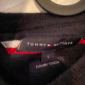 Tommy Hilfiger, luxury touch 48% Polimid🤩