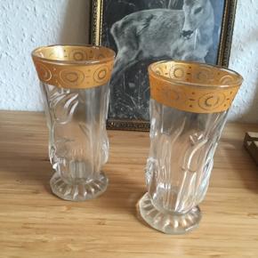 2 glas -fast pris -køb 4 annoncer og den billigste er gratis - kan afhentes på Mimersgade 111 - sender gerne hvis du betaler Porto - mødes ikke andre steder - bytter ikke