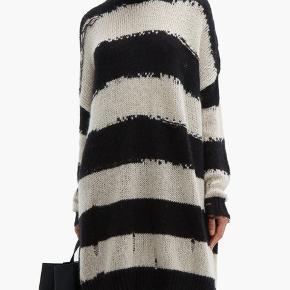 Super fin distressed sweater/ kjole fra Acne  Oversize : den lange udgave