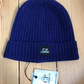 C.P. Company hue i lammeuld 🎩 Aldrig brugt og med prismærke. Kommer fra et ikke-ryger hjem