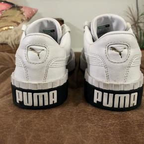 Puma sneakers. Fejler ingenting. Har ikke brugt dem ret meget.  Nypris 550kr