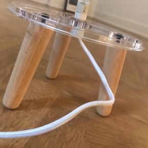 Underdelen til &tradition milk lampen, hvor lampeskærm kan købes til 400-500kr.