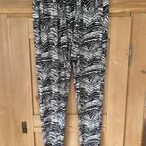 Bukser mønstrede køb og salg | Find den bedste pris! side