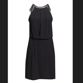 Helt ny samsøe & samsøe willow kjole i sort i str M sælges. Aldrig brugt