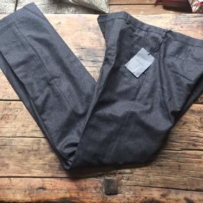 Helt nye herre bukser aldrig brugt. Hængt i skab - str. 48