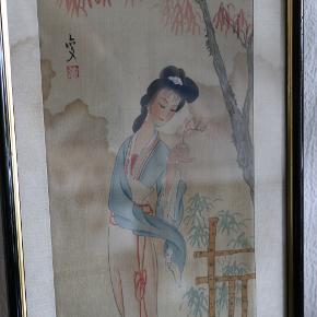 Flot, vintage, malet på silke med en stor plet, der tilføjer sin charme. :)   Ramme: sort med guld, træ, str. 52 X 22cm.   Silke passepartout.