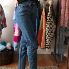 Bukser ses på en Xs  #30dayssellout