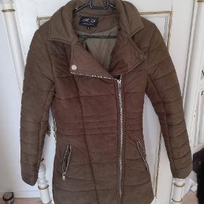 Flot og lækker jakke, sparsom brugt og i flot stand