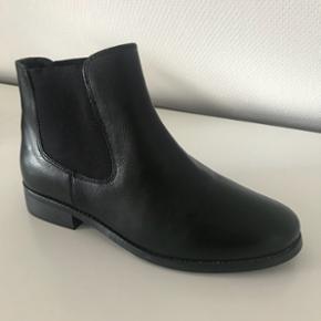 Lækre Chelsea læderstøvler. Aldrig brugt.