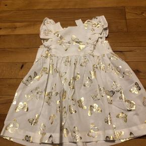 Smuk kjole kun lige prøvet på pris 70kr☺️