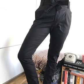 Helt nye Neo Noir bukser   #30dayssellout