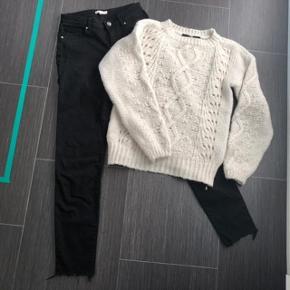 * Skønt tøjsæt 😃  * Vero Moda Strik str S 🌸  * H&M jeans brugt 1 gang str 36