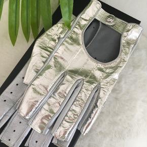 Chanel handsker & vanter
