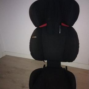 Besafe autostol op til 36 kg med isofix. Kommer fra en bil uden ulykker, dyr eller rygning. Højre side er en smule afbleget.