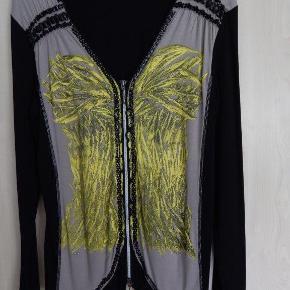 BIBA cardigan bluse M sort/beige/gul, med perler og guld print, viscose/elastane jersey Bryst 100 cm/lgd 68 cm