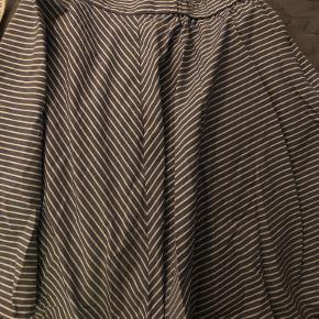 Uniqlo nederdel